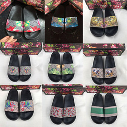 Wholesale cotton fabric black white flowers resale online - Slippers Men Women Sandals Designer Shoes Brand Slide Summer Fashion Wide Flat Slippery Sandals Slipper Flip Flop size Flower box