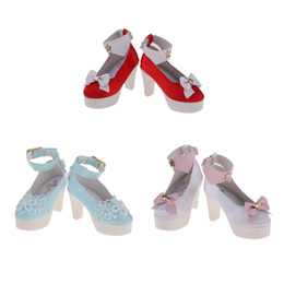96dd75ad4b 1 3 BJD Bonecas de Moda de Plástico Boneca de Salto Alto Tornozelo Cinto  Sapatos para 60 cm Noite Lolita Bonecas Casual Wear Acessório