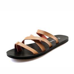 Опт Men Slippers Summer Flat 2019 Summer Male Shoes Breathable Beach Slippers Black White Flip Flops Male  Slides