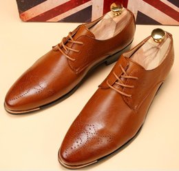 christmas gift shoes NZ - Hot Sale-Street fashion Men white pointed Oxford Leather shoes Man's Formal Dress Shoes For Homecoming Wedding Business Christmas gift