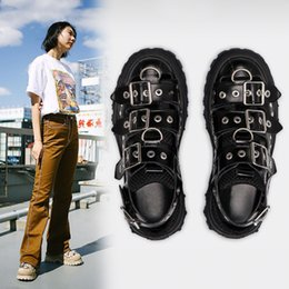 hot cakes shoes flats Canada - QWEDF 2019 Summer Women's Sandals Platform Women's Shoes ins Hot Sponge Cake Old Shoes Rivets Baotou Trekking Shoes Flats G3-100