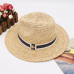 Discount womens fitted tops - Little Bees Designer Hats Men Womens Wide Brim Luxury Caps Summer Beach Hat Brand Cap New Arrived Hot Sale Grass Hat Top