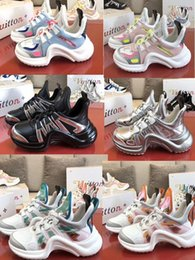 2020 Retro Mens Women Arch Breathable Sneakers Fashion Luxury Designer Casual Shoes Sneakers Outdoor Boots Daddy Shoes Internal heightenin