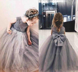 $enCountryForm.capitalKeyWord Australia - 2019 Grey Princess Flower Girl Dresses Jewel Big Bowl Lace Applique Girls Pageant Dresses For Toddlers Children A Line Kids Birthday Dress