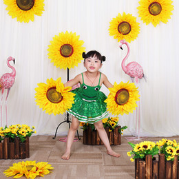 $enCountryForm.capitalKeyWord Australia - silk Sunflower head Dance props Performing props Artificial Flowers Wedding Decoration Stage Props Home Decor fake Decorative Flowers heads