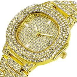 $enCountryForm.capitalKeyWord Australia - New Diamond Luxury Women Lady Watches Fashion Calendar Mens Watches Quartz Wristwatches Stainless Steel Men Watch Wholesale