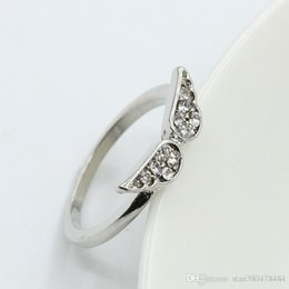 Wholesale Korean version of the small compact diamond angel wings engagement ring ladies fine jewelry for sale simple travel wild ring