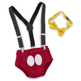 Wholesale Kids Clothing Sets Leggings Pants Kids Designer Clothes Boys Mickey Red Panties Strap Yellow Bow Tie Set Silver Dot Printing