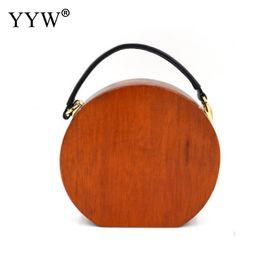 $enCountryForm.capitalKeyWord NZ - Sandal Wooden Handbag With Chain Round Circular Wooden Unique Hand Bags Light Brown Wood Clutch Evening Fashion Wallet Purse New