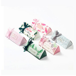 Wrapping Paper For Chocolates Australia - Triangular Brick Paper Candy Box Wedding Gift Boxes for Guests Wedding Favors and Gifts Chocolate Box Party Supplier Decoration