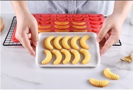 Chocolate Mould Letters Australia - Wholesale Baking appliance DIY Tool insects shapes Silica Gel Cake Chocolate bread mousse jelly cookies Mould ice letter tray #418