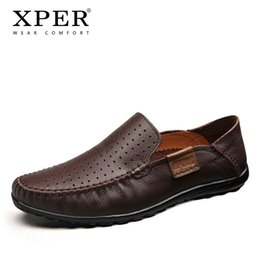 Venta al por mayor de Nuevos zapatos de cuero genuino de los hombres de los holgazanes de lujo transpirable calzado casual masculino tamaño grande de los hombres pisos de negocios desgaste Comfort # XP004