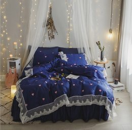 cotton embroidered lace NZ - 4pcs set New textile thick soft lace bedding sets love heart Embroidered cotton bedding family of four skin-friendly fabrics