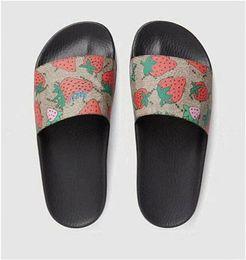 $enCountryForm.capitalKeyWord Australia - Designer Rubber Slipper Sandals Slipper Flip Flops for Women Men House Slippers Slides Shoes with Box Size 36-40 Rubber Sole Y18 002