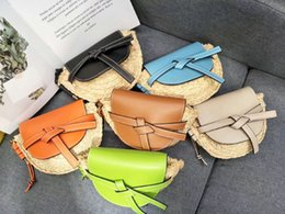 Wholesale Elegant2019 Ins Sandy Luxurious2019 Summer Beach On Vacation Straw Plaited Article Bow Weave Saddle Package Single Shoulder Messenger Small