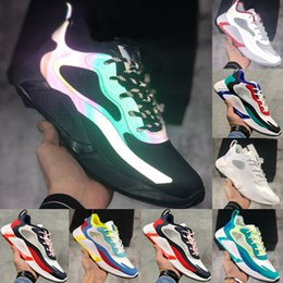 AlphA bounce sneAkers online shopping - 2020 Alphabounce X M Reflective Beyond Black White Running Shoes Alpha bounce Bauhaus Optical TRAVIS SCOTTS Mens Trainers Sports Sneakers