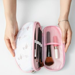 $enCountryForm.capitalKeyWord Australia - New Portable Flamingo Cosmetic Bag Double Layer Travel Makeup Pouch Bags Circular Make Up Bag Brush Organizer For Woman