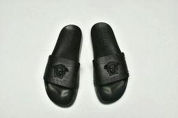 $enCountryForm.capitalKeyWord Australia - 01 2019 Designer Rubber slide sandal Floral brocade men slipper Gear bottoms Flip Flops women striped Beach causal slipper