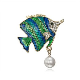Pearl Women Clothing Australia - Fashion Fish Brooch Jewelry for Clothes New Enamel Pins and Brooches for Women 2018 Cute Pearl Brooches Badge for Best Friend