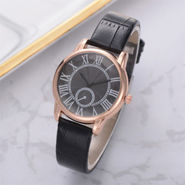 Watches Gifts For Girlfriend NZ - Woman Watch 2019 Gift Fashion Luxurious Ladies Leather Imitation Pattern Quartz Analog Wrist Watches For Girlfriend Reloj Mujer
