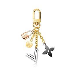 $enCountryForm.capitalKeyWord Australia - More M67377 Kaleido V Holders New Leather Bracelets Chromatic Bag Charm And Key Holder Scarves Belts