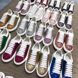 Опт Luxury Designer Comfort Повседневная кожаная обувь Мужские кожаные спортивные кроссовки для индивидуальности Платье для вечеринок Повседневная обувь Runner