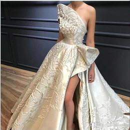 StrapleSS wedding dreSS Side Slit online shopping - Luxury Lace Appliqued Wedding Dress Princess Sexy High Side Slit Strapless A Line Wedding Gown Backless Floor Length Bride Dress