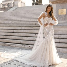 $enCountryForm.capitalKeyWord UK - Gorgeous Sequined Mermaid Wedding Dresses with Cape Sweetheart See Through Sleeve Castle Wedding Gown Sweep Train robe de mairee