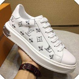 Опт Высокое качество Женская обувь повседневная роскошные модные кроссовки Footwears с оригинальной коробке квартиры тайм-аут Sneaker Chaussures de femmes Женская обувь