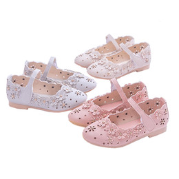 Discount white shoes for flower girls - Summer Flowers Children Kids Baby Little Girls Hollow Toddler Princess Leather Shoes For Girls White Wedding Party Dress