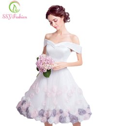 $enCountryForm.capitalKeyWord Australia - wholesale New White Satin with Rose Flower Short Cocktail Dress Bride Banquet Sweet Knee-length Formal Party Gown Robe De