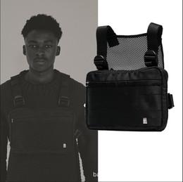 Venta al por mayor de Arnés Pecho Rig Bag Hip Hop Streetwear Tactical Black Pecho Rig Molle Funcional Bolsa de cintura Hombres Impermeables Bolsos cruzados