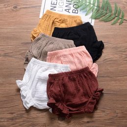 girls baggy pants NZ - Baby PP Pants Toddle Falbala Bloomer Shorts Girl Ruffle Diaper Covers Solid Summer Triangle Pants Casual Briefs Baggy Pants Underpants A5477