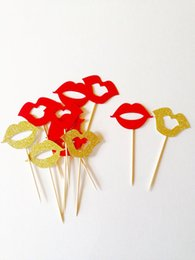 $enCountryForm.capitalKeyWord Australia - red & gold glitter lip cupcake toppers, wedding party engagement food picks wedding birthday toothpicks decorations Party Supplies Event