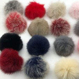 Hat keycHains online shopping - 15cm Round Fluffy Real Raccoon Fur Pompoms For Handbags Keychains and Knitted Beanie Cap Hats Genuine fur ompon Pom pom