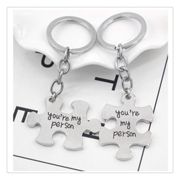 cartoon toy photos 2019 - Funny Couple Keychain Toy 2 Pcs Set Puzzle Toys Accessories For Lovers Ring Holder For Children discount cartoon toy pho