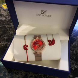 $enCountryForm.capitalKeyWord Australia - Designer Watch Set Red Swan Set Watch Swan Bracelet Swan Necklace 2019 Luxury Fashion Accessories Counter Box