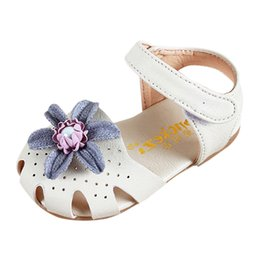 Elegant Flower Girl Shoes Australia - Girls Elegant Flowers Pearl Small Shoes Hollow Sweet Princess Shoeses Baotou Cool Shoes Zapatos De Nina De Perlas Flores