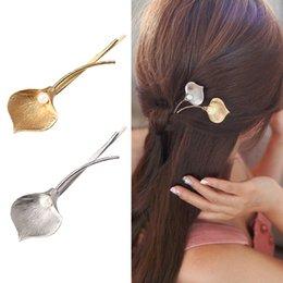 271539b992f3 M MISM Moda Boda Joyería Del Pelo Pasadores de flores Perlas de Metal  Sólido Perla Pinzas de Pelo Accesorios para las mujeres Chica