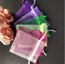 Gift Wrapping Organza Australia - 100pcs lot 9x12cm Organza Gift Packaging Bags Christmas Wedding Gifts Packing Pouches Mixed Color Jewelry Organza Bags
