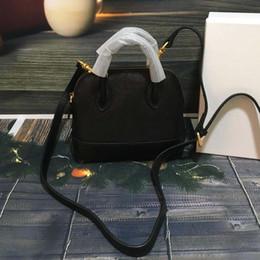 Chinese  2018 brand fashion luxury designer handbag mini letter printing shoulder bag high quality womens tote bag manufacturers