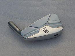 Vente en gros Brand New 2018 Fers MiURA MC-501 Argent Fers MiURA Golf forgés Clubs de golf 4-9P Tige en acier Flex avec couvre-culasse