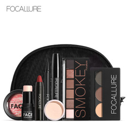 $enCountryForm.capitalKeyWord Australia - FOCALLURE 8 PCS Makup Tool Kit Must Have Cosmetics Including Glitter Eyeshadow Matte Lipstick Blush Mascara With Makeup Bag gift