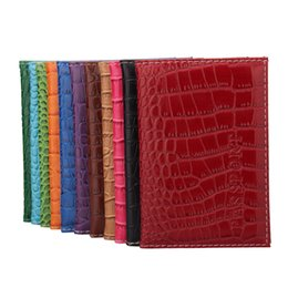 $enCountryForm.capitalKeyWord UK - Fashion Soft Passport Cover Pu Leather Men Passport Holder Wallet Crocodile Pattern Women Card Case For Travle Documents