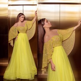 Robes Red caRpet online shopping - 2020 Yellow Prom Prom Dresses A Line Off The Shoulder Glitter Floor Length Formal Evening Dress Party Gowns robe de soiree Abendkleider