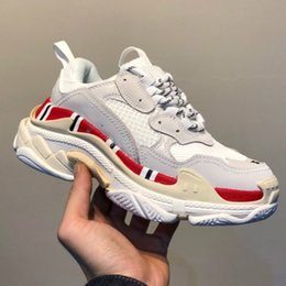 $enCountryForm.capitalKeyWord Australia - ulti Luxury Triple S Designer Low Tops Old Dad Sneaker Combination Soles Boots Mens Athletic Womens Shoes Golf Shoes High Top Quality