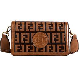 Venta al por mayor de Diseño Carta Bolsa de noche de las mujeres de la vendimia ancha correas de hombro de moda joven solapa del bolso las mujeres Crossbody alta calidad del partido