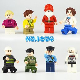 Chinese  Duplo Friends Set for Doctor Astronaut New Playmobil Sets Police boy Toys manufacturers