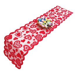 China 33x183cm Heart Pattern Table Runner Table Cover For Rustic Valentines Day Wedding Banquet Christmas Party Decor Home Textiles cheap wedding table runner pattern suppliers
