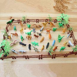 68PCS / set Plastic Farm Yard Wild Fence Tree Animali Modello Giocattoli per bambini Per bambini Figure Gioca Set giocattolo per bambini Azione per adulti